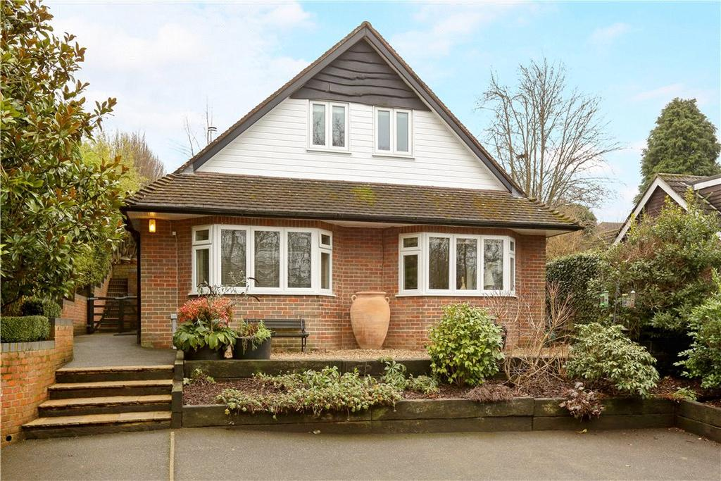 3 Bedrooms Detached House for sale in New Road, Northchurch, Berkhamsted, Hertfordshire, HP4
