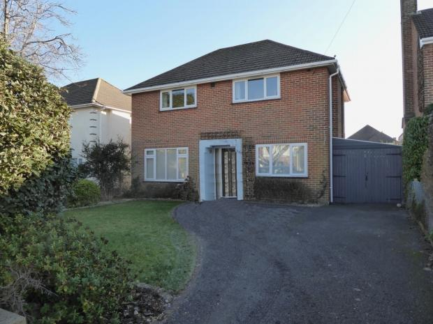 3 Bedrooms Detached House for sale in Petersfield Road Boscombe East Bournemouth