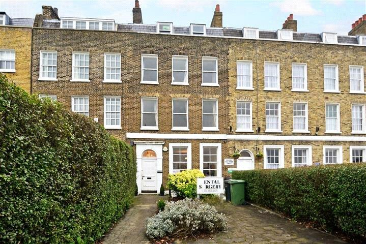 3 Bedrooms Flat for sale in Montpelier Row, Blackheath, London, SE3