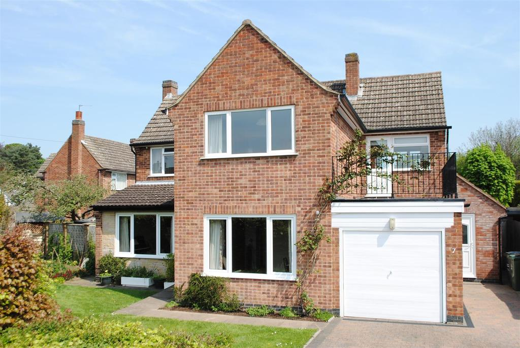 4 Bedrooms Detached House for sale in Sandalwood Road, Loughborough
