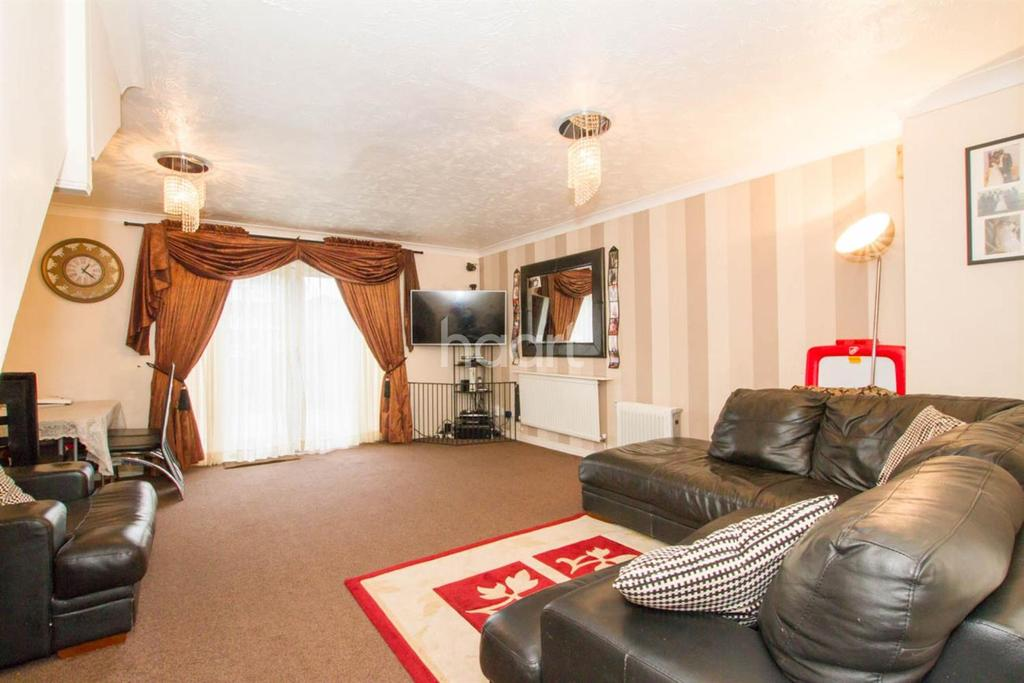 3 Bedrooms Terraced House for sale in Sherwood Court, High Road, Watford, WD25