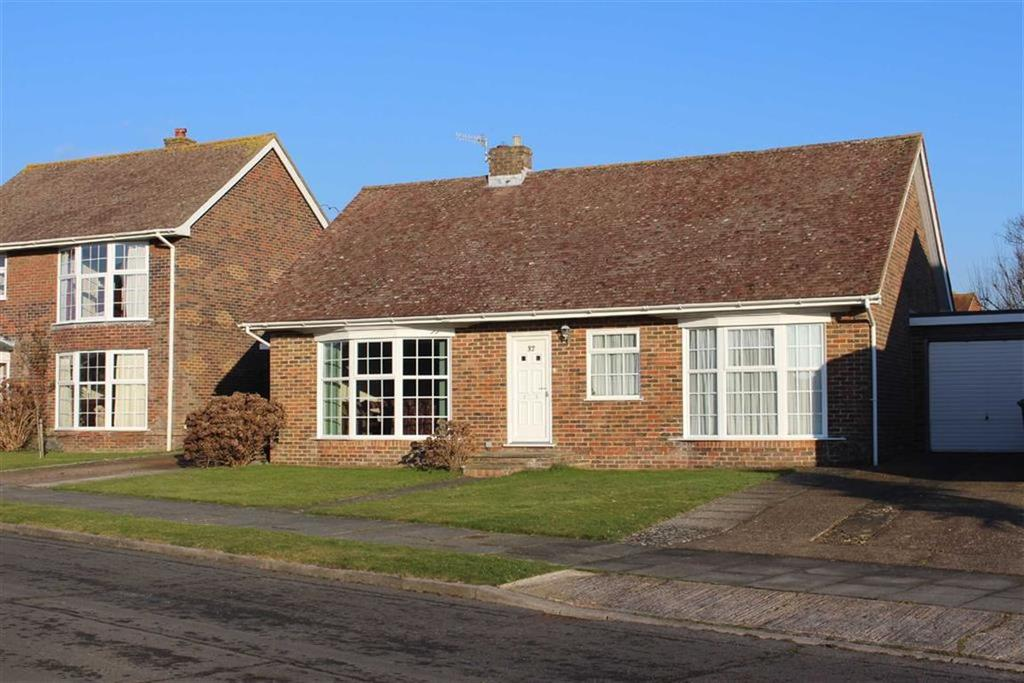 3 Bedrooms Detached Bungalow for sale in Lindfield Avenue, Seaford