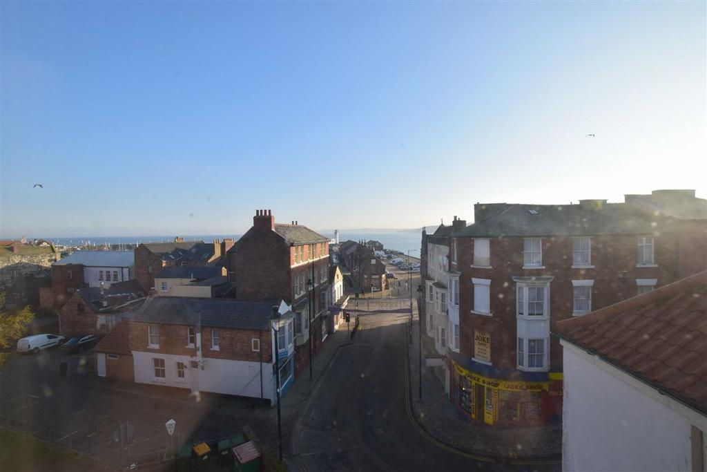 3 Bedrooms Terraced House for sale in West Sandgate, Scarborough, North Yorkshire