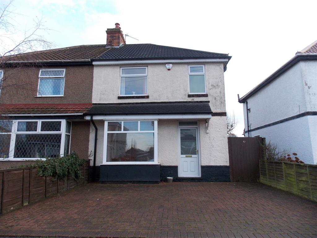 3 Bedrooms Semi Detached House for sale in Claremont Road, Grimsby