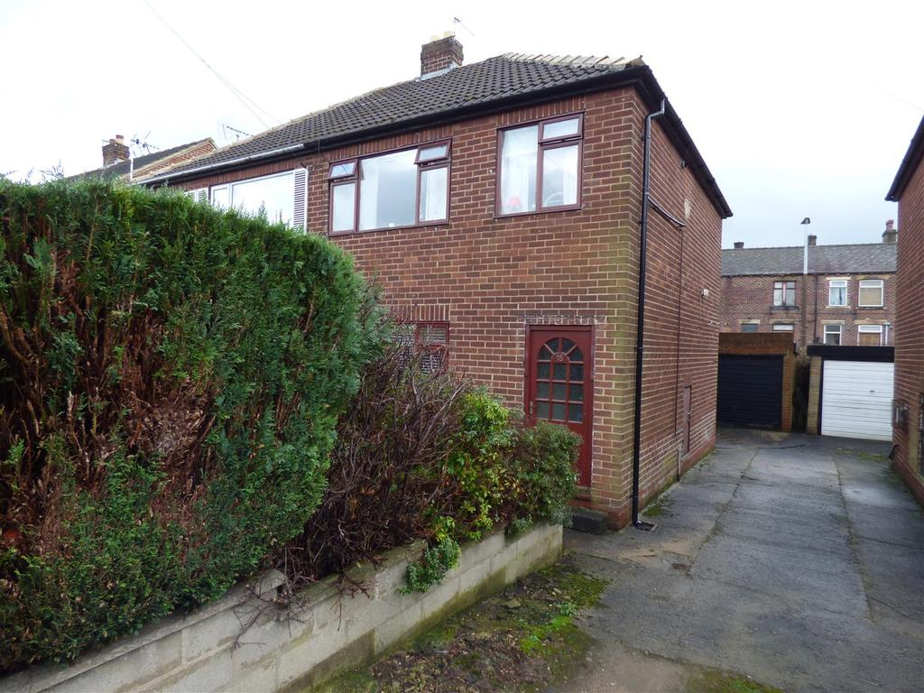3 Bedrooms Semi Detached House for sale in St. Peg Close, Cleckheaton