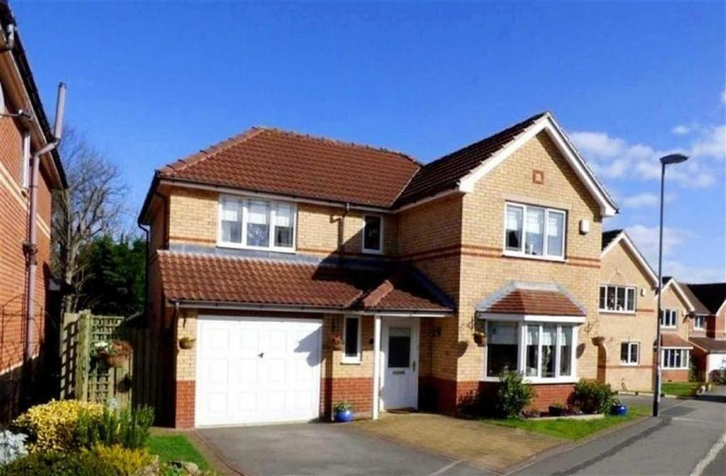 4 Bedrooms Detached House for sale in Briarfield Gardens, Dalton, Huddersfield, HD5