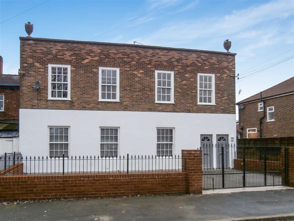 2 Bedrooms Apartment Flat for sale in Tiverton Road, Urmston