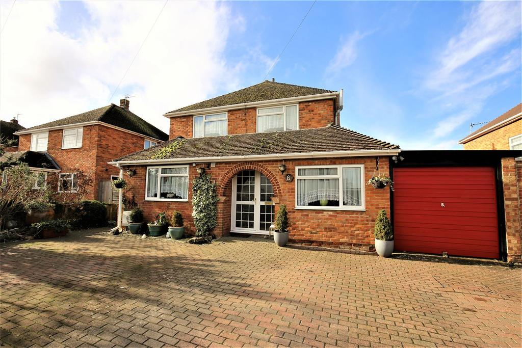 4 Bedrooms Detached House for sale in Mill Lane,, Coxheath, Maidstone