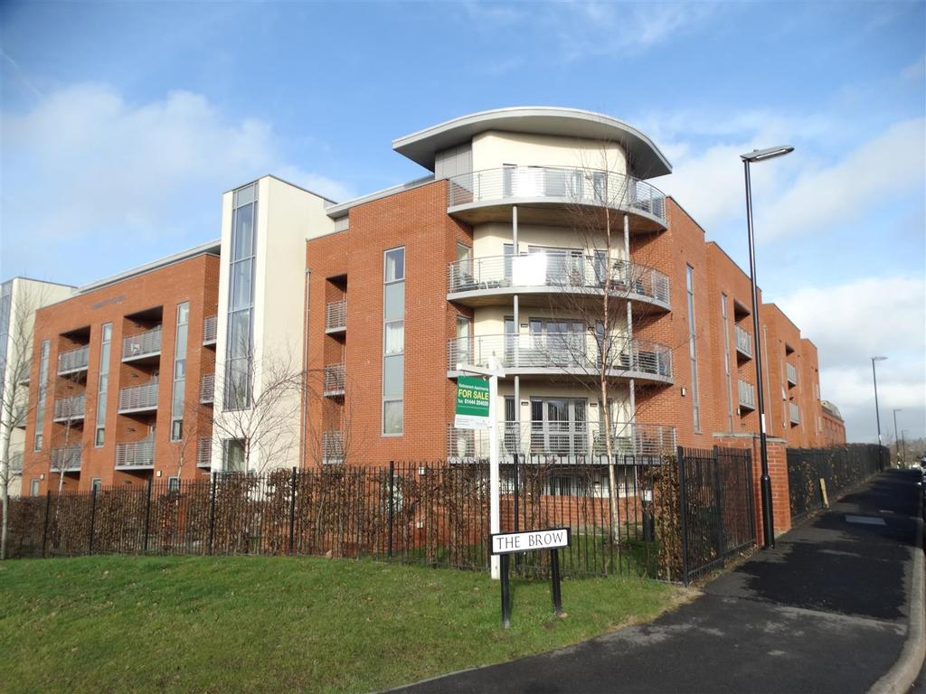 1 Bedroom Retirement Property for sale in The Brow, Burgess Hill