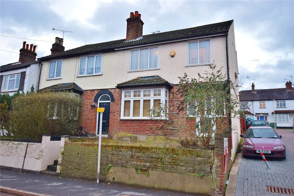 3 Bedrooms Semi Detached House for sale in Pinner Road, Watford, Oxhey Village, Hertfordshire, WD19