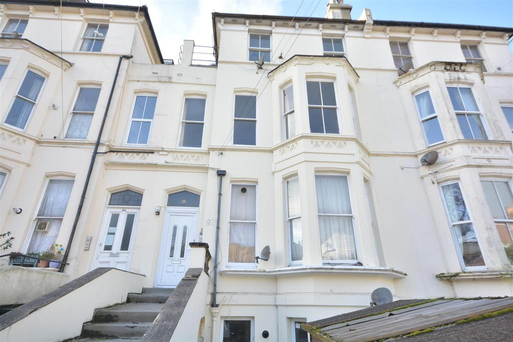 3 Bedrooms Flat for sale in London Road, St. Leonards-On-Sea