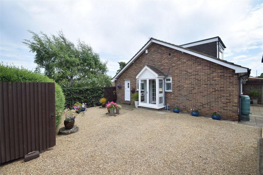 3 Bedrooms Chalet House for sale in Watson Avenue, Davis Estate, Chatham, Kent