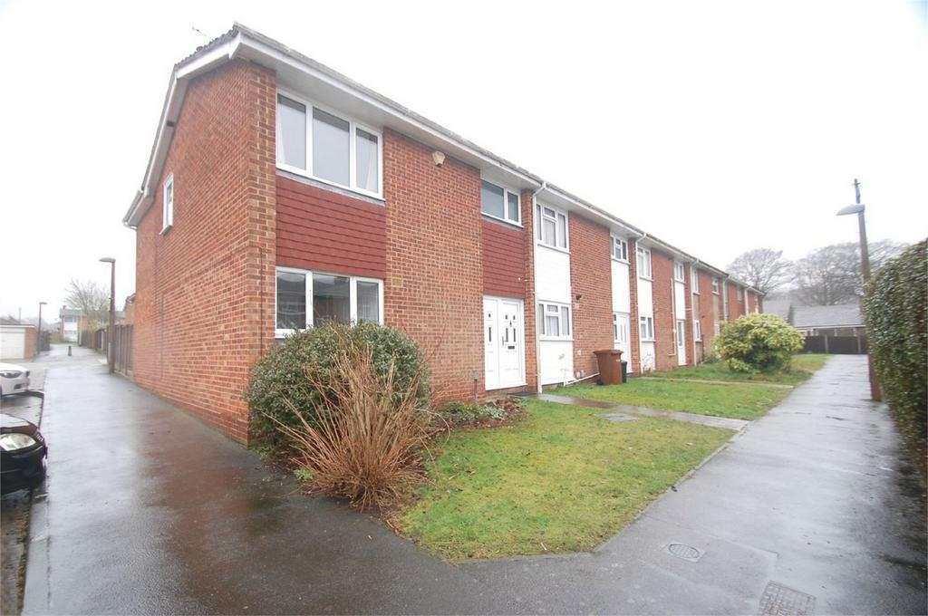 4 Bedrooms End Of Terrace House for sale in Craddock Way, Parkwood, Rainham, Kent