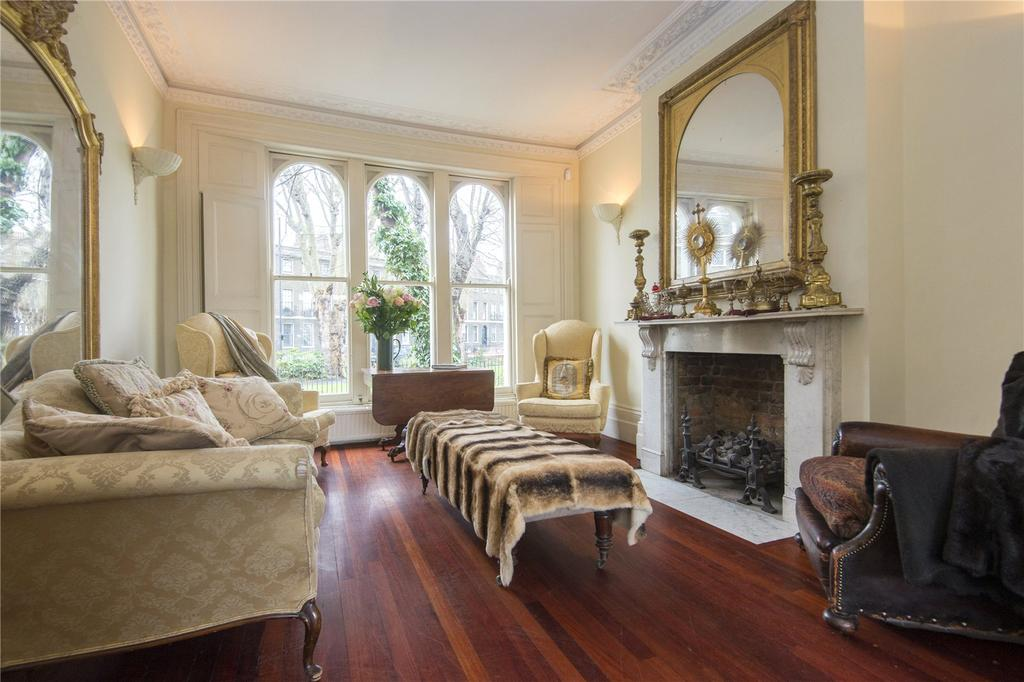 5 Bedrooms Semi Detached House for sale in Cassland Crescent, London, E9