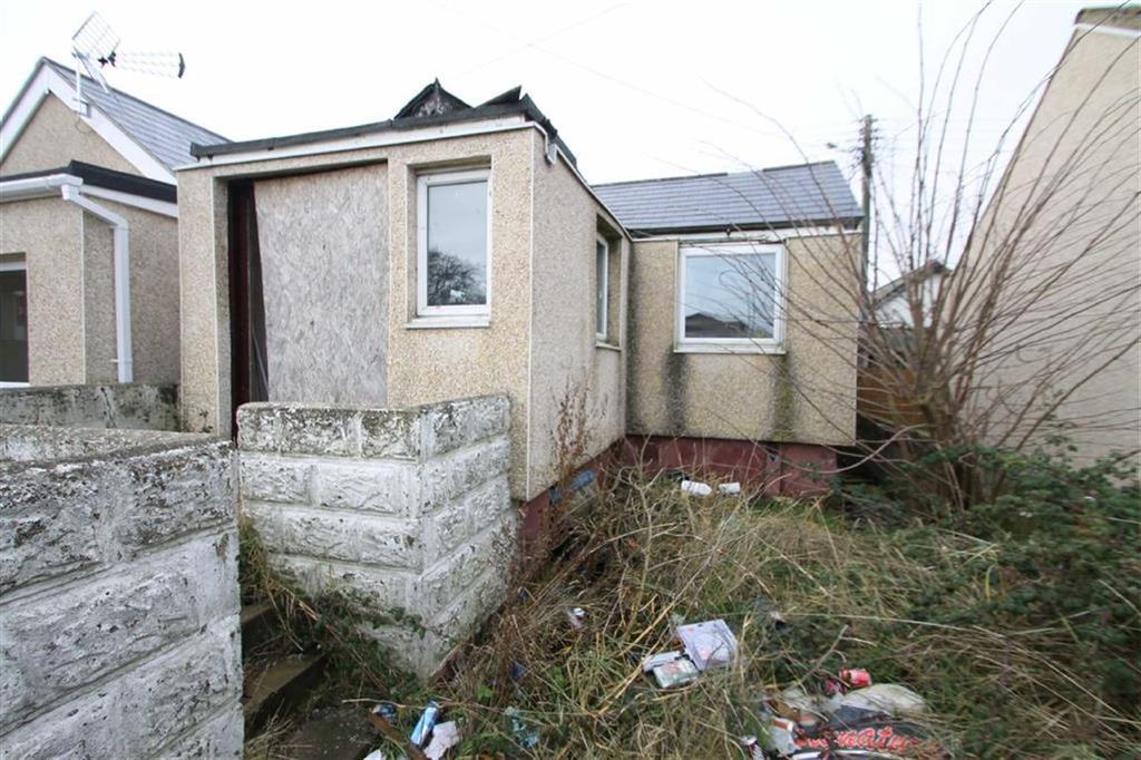 2 Bedrooms Detached Bungalow for sale in Brooklands Gardens, Jaywick