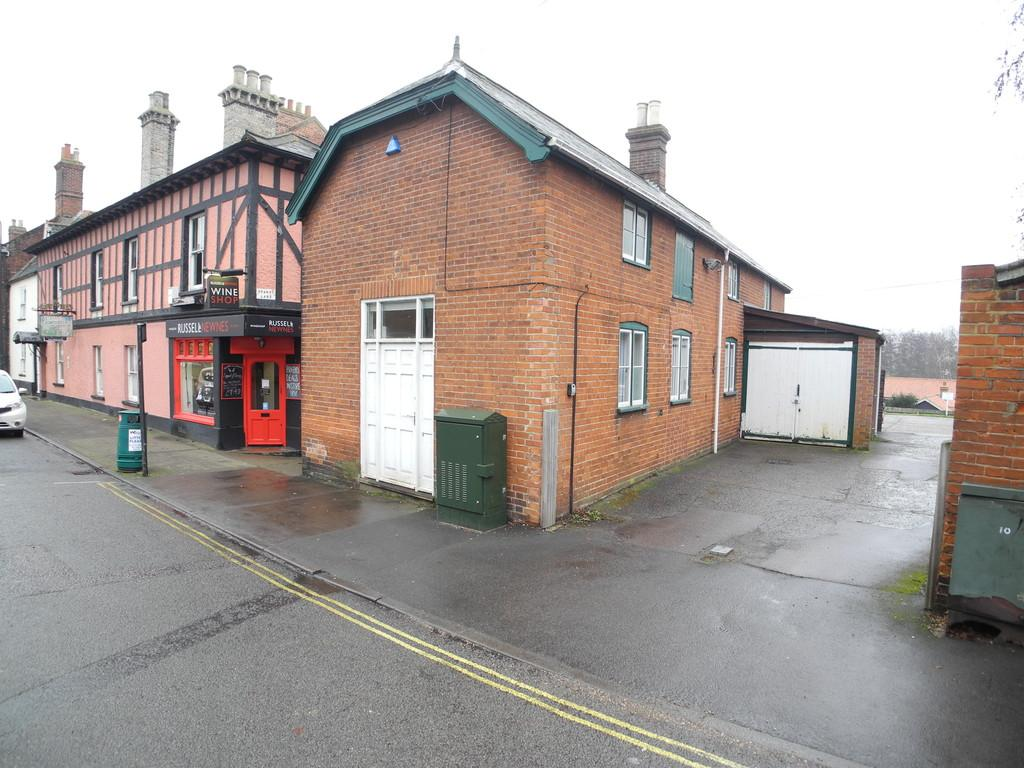 3 Bedrooms Detached House for sale in Broad Street, Bungay
