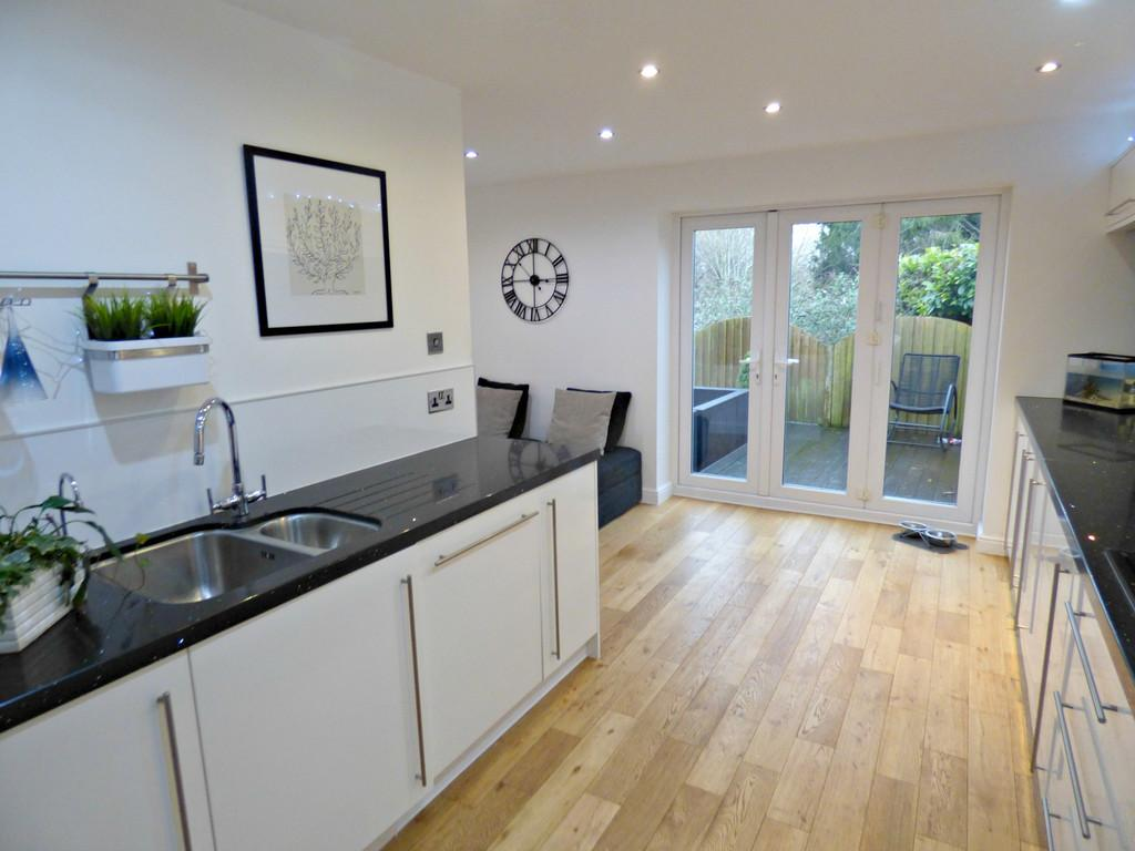 4 Bedrooms Detached House for sale in Church Street, Kingsteignton, TQ12 3BQ