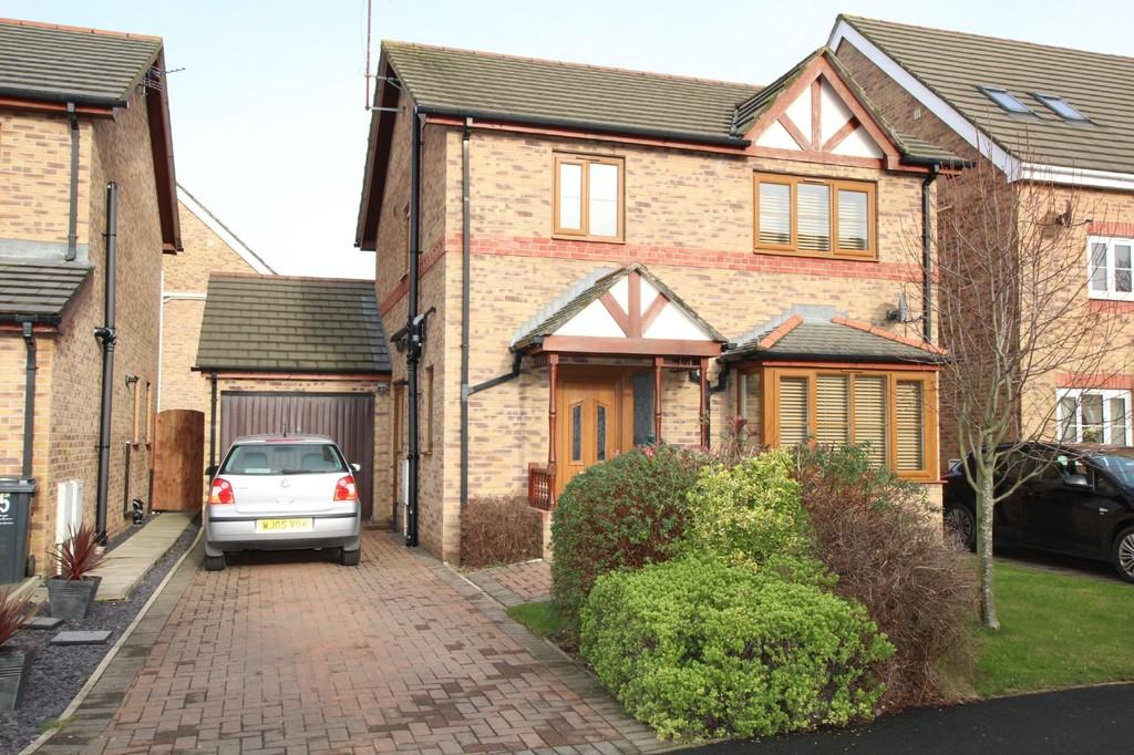 3 Bedrooms Detached House for sale in Farnham Close , Barrow-In-Furness
