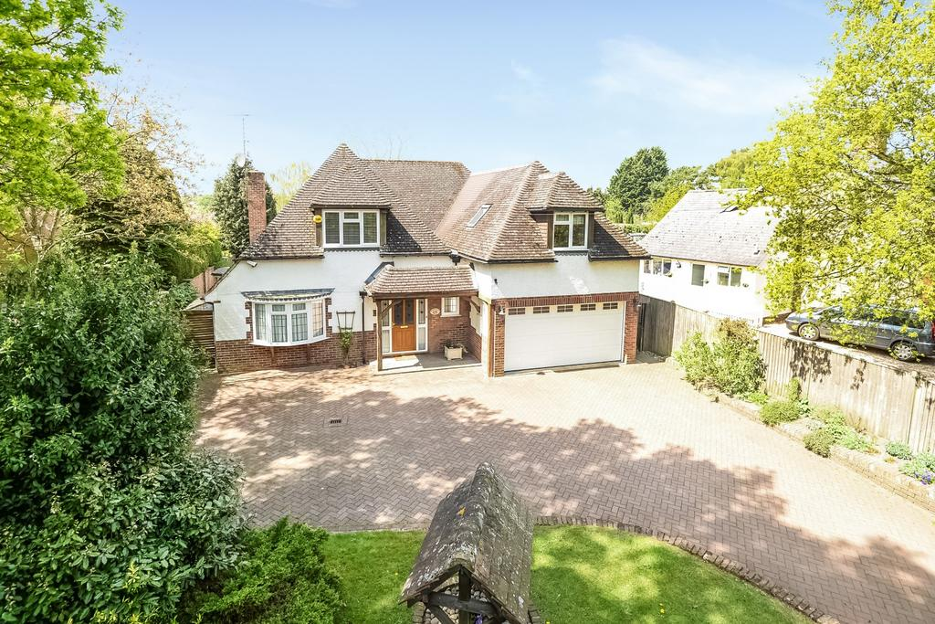 5 Bedrooms Detached House for sale in Chalkhouse Green