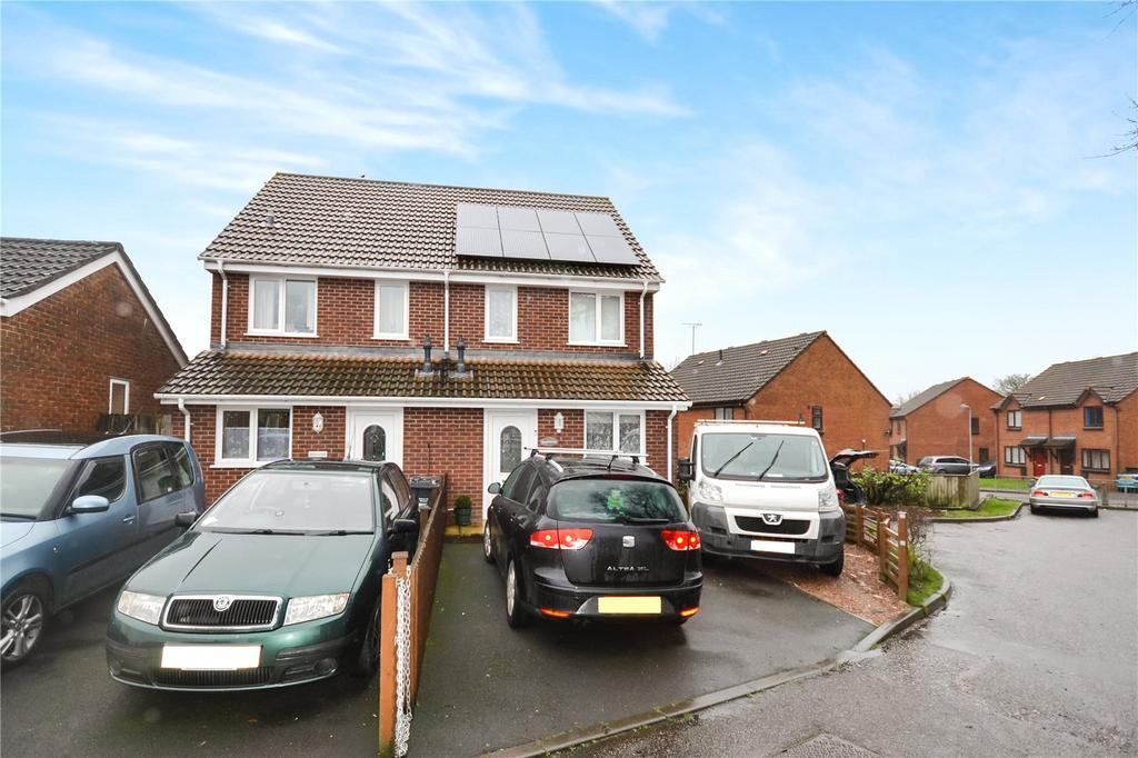 3 Bedrooms House for sale in Bubwith Road, Chard, Somerset, TA20