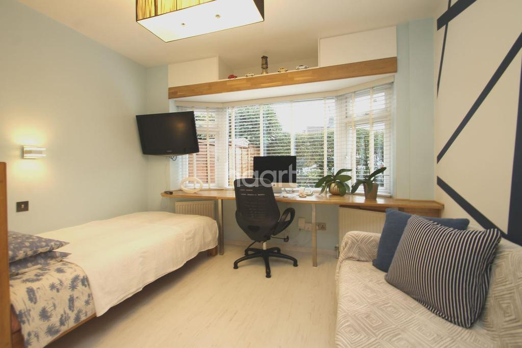 1 Bedroom Maisonette Flat for sale in St Georges Crescent