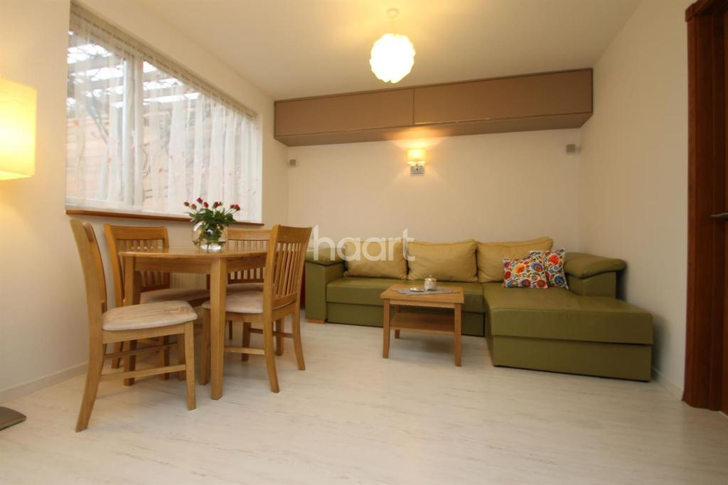 1 Bedroom Maisonette Flat for sale in St Georges Crescent