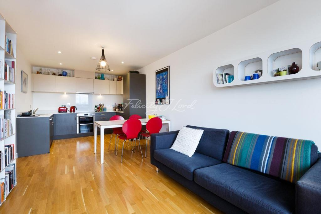 2 Bedrooms Flat for sale in Sketch Apartments, Stepney Green, E1