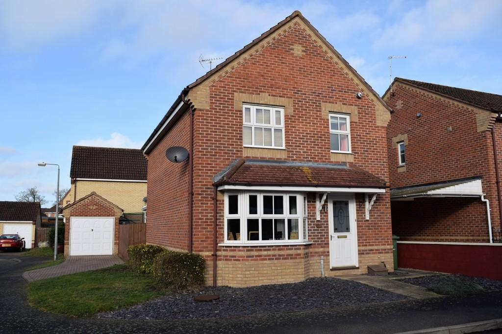 3 Bedrooms Detached House for sale in Coltsfoot Way, Thetford