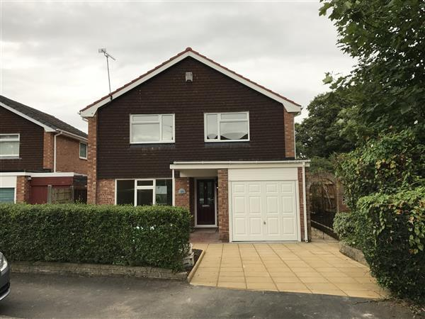 4 Bedrooms Detached House for sale in Pickmere Drive, Eastham