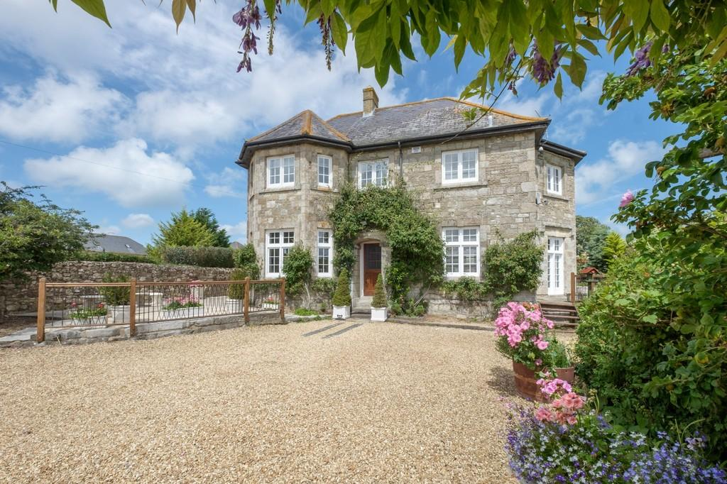 6 Bedrooms Farm House Character Property for sale in Wootton, Isle of Wight