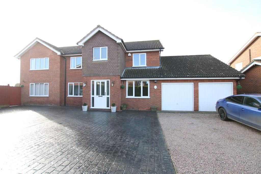 4 Bedrooms Detached House for sale in The Hollies, March
