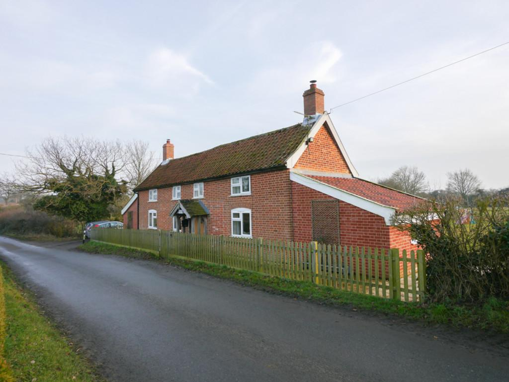 3 Bedrooms Detached House for sale in White Post Corner Cottage, Fressingfield