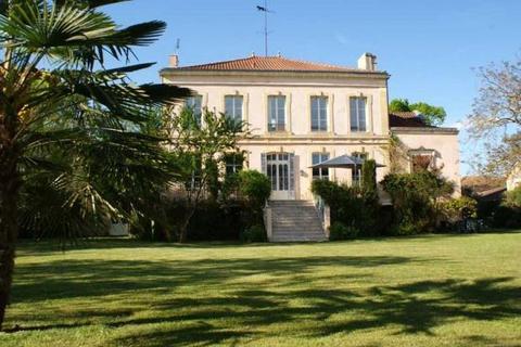 11 bedroom house  - Aiguillon, Lot Et Garonne, South West France