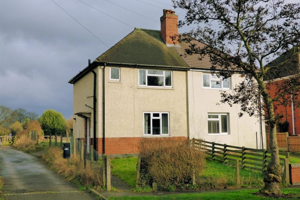 2 Bedrooms Semi Detached House for sale in Burton Road, Coton-In-The-Elms