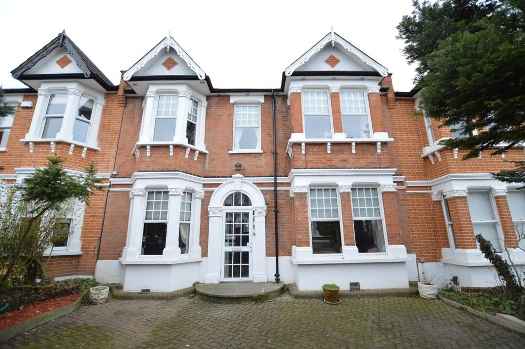 6 Bedrooms Terraced House for sale in Beechhill Road, Eltham, SE9