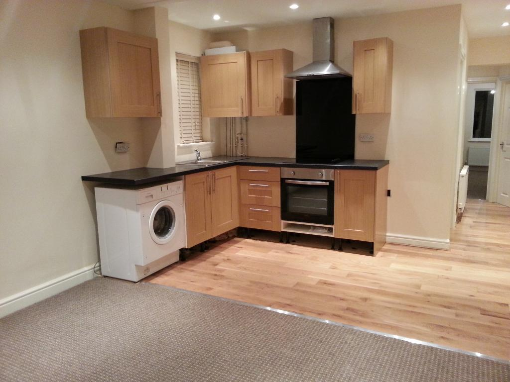 2 Bedrooms Maisonette Flat for sale in Clarendon Road, High Town, Luton, LU2 7PQ