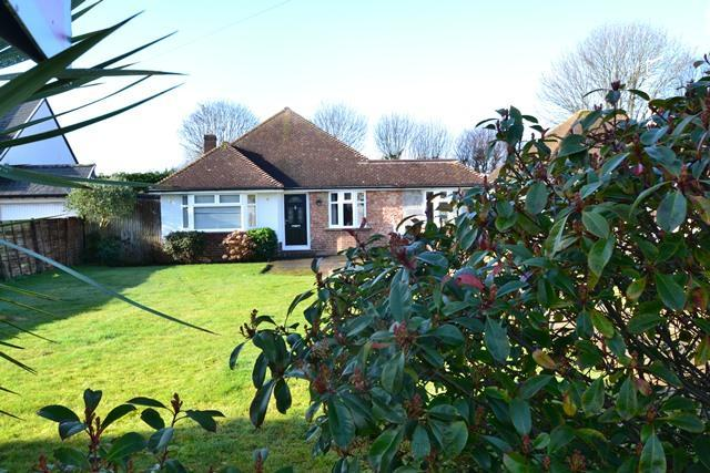 3 Bedrooms Detached Bungalow for sale in Ferring Lane, Ferring, West Sussex, BN12 6QS