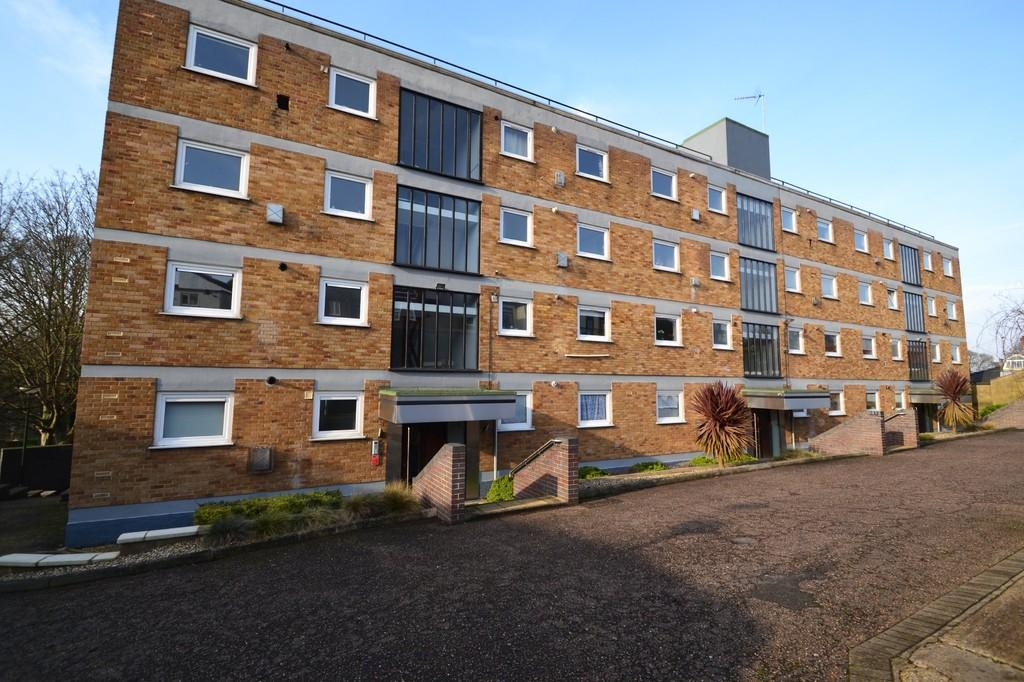 1 Bedroom Flat for sale in Thorpe Heights , Norwich
