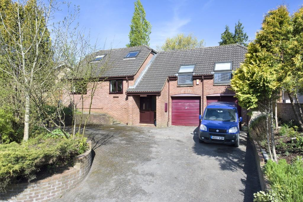 3 Bedrooms Detached House for sale in Rossiters Road, Frome