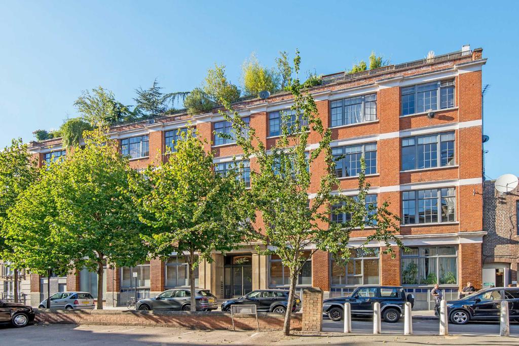 3 Bedrooms Apartment Flat for sale in Banner Street, EC1Y