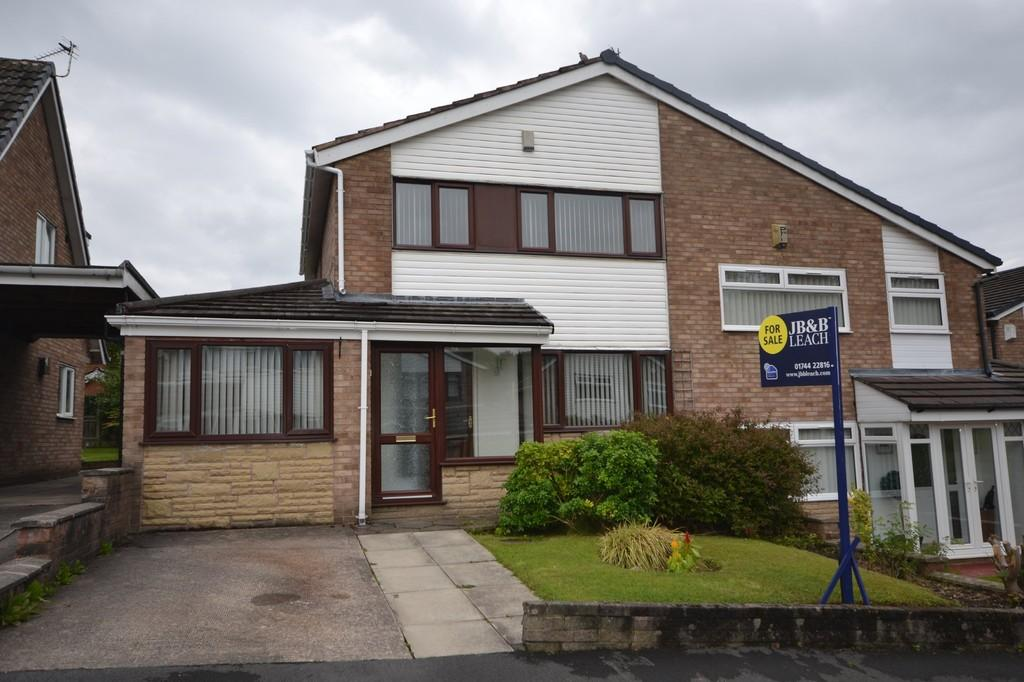 3 Bedrooms Semi Detached House for sale in Sycamore Close, Eccleston, St. Helens
