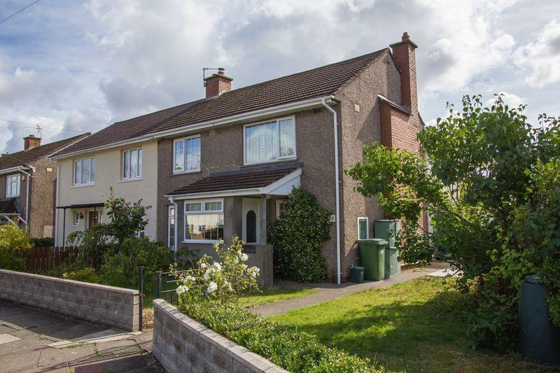 4 Bedrooms Semi Detached House for sale in Laburnum Way, Penarth
