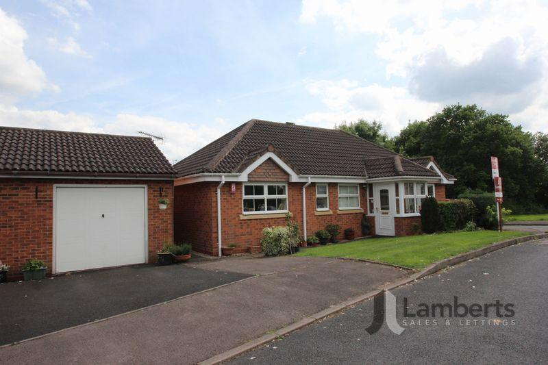 3 Bedrooms Bungalow for sale in Moorcroft Gardens, Walkwood, Redditch