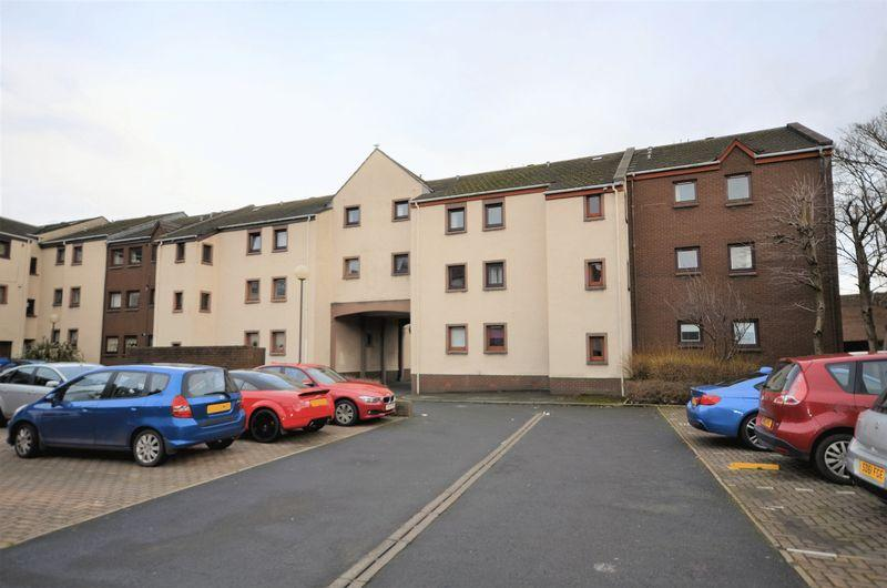 2 Bedrooms Flat for sale in 7D Garden Court, Ayr , KA8 0AT