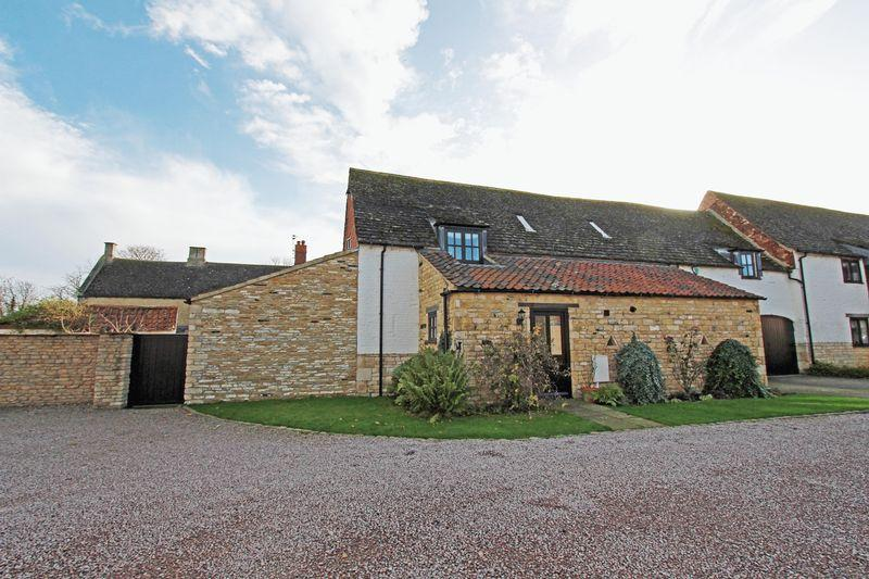 4 Bedrooms Barn Conversion Character Property for sale in Pannell Court, Baston
