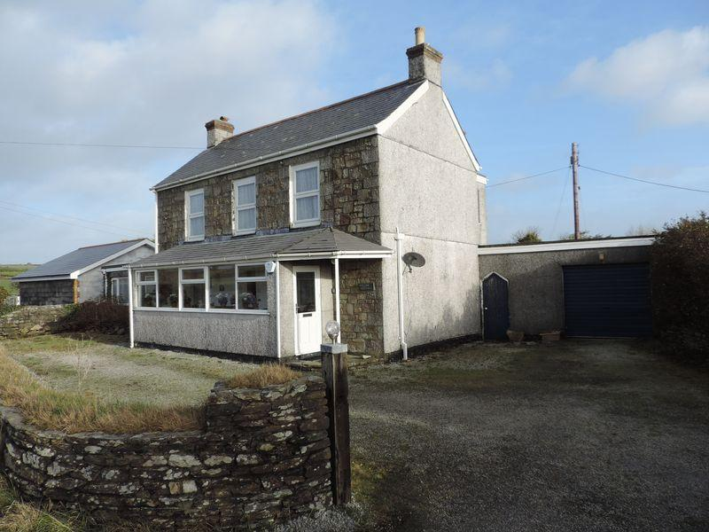 4 Bedrooms Cottage House for sale in Tresevern, Truro
