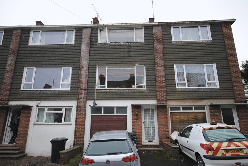 3 Bedrooms Terraced House for sale in St James Exeter