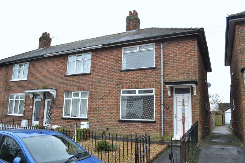 2 Bedrooms Terraced House for sale in Church Lane, Laceby