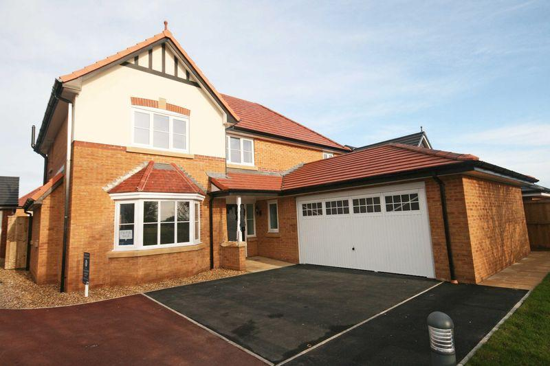 4 Bedrooms Detached House for sale in STAMP DUTY PAID IF COMPLETION BEFORE 28TH APRIL 2017 - Jubilee Gardens, Staining