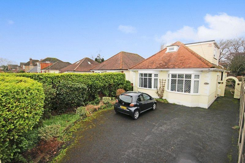 5 Bedrooms Detached Bungalow for sale in CHRISTCHURCH